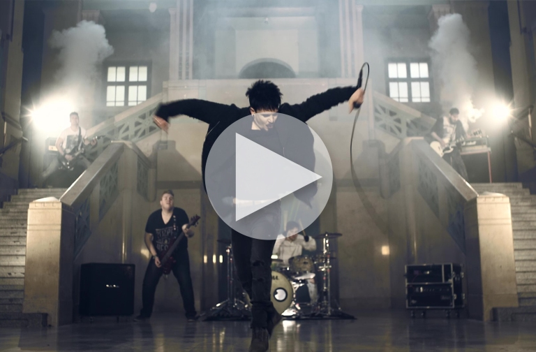 """Musikvideo: MeLOCO - """"I don't care"""""""